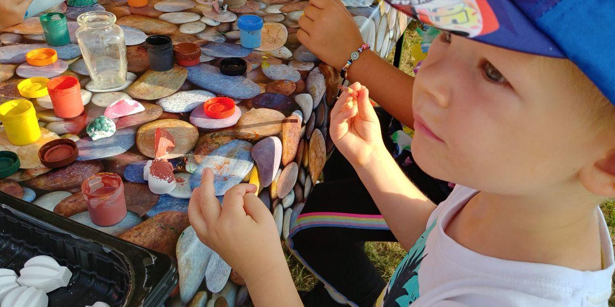 Malování na ovoce ze sádry